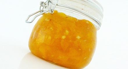 Aprikosenmarmelade mit Ingwer und Zitronengras